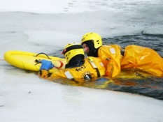 Ice Rescue Training 017